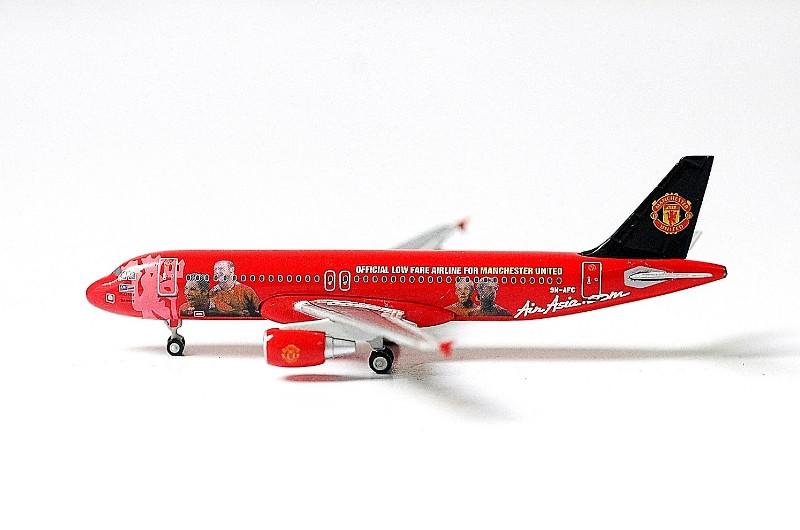SKY500 Air Asia Airbus A320-200 1:500 MU Registration 9M-AFC 亞航