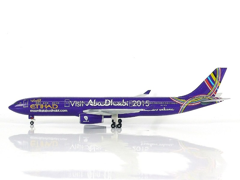 """SKY500 Etihad Airways Airbus A330-300 1:500 """"Visit Abu Dhabi 2015"""" Registration A6-AFA"""
